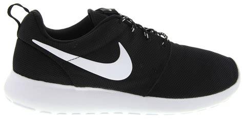 Nike Rosherun 14 nike roshe run 14 sneakers in black white
