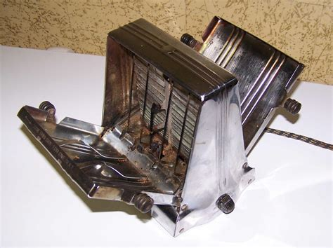Antique Toaster For Sale amongst the many items we d to sell two antique toasters doggonedmysteries