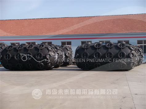 wholesale custom rubber sts floating pneumatic rubber fenders from qingdao evergreen