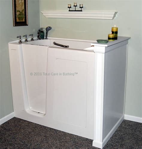 walk in bathtubs for disabled model 3055 handicapped tubs handicap bathtubs walk in