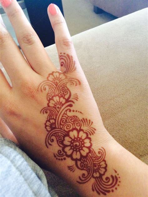 henna tattoo with india ink pin by aanika on h e n n a hennas mehndi