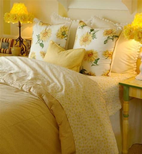 Yellow Bed Sheets by Best 20 Yellow Bedding Ideas On Yellow