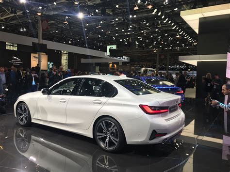 bmw  series revealed lighter   dynamic