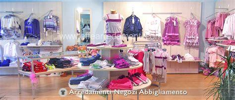 arredamento negozio abbigliamento bambini arredamenti per negozi abbigliamento effe arredamenti