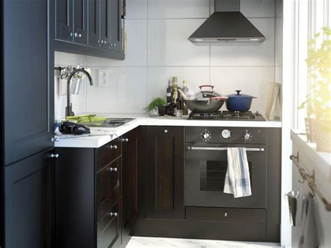 ideas for a small kitchen small kitchen decorating ideas on a budget