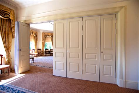 Dividing Doors Living Room by Innovative Accordion Room Dividers Ideas Decorating