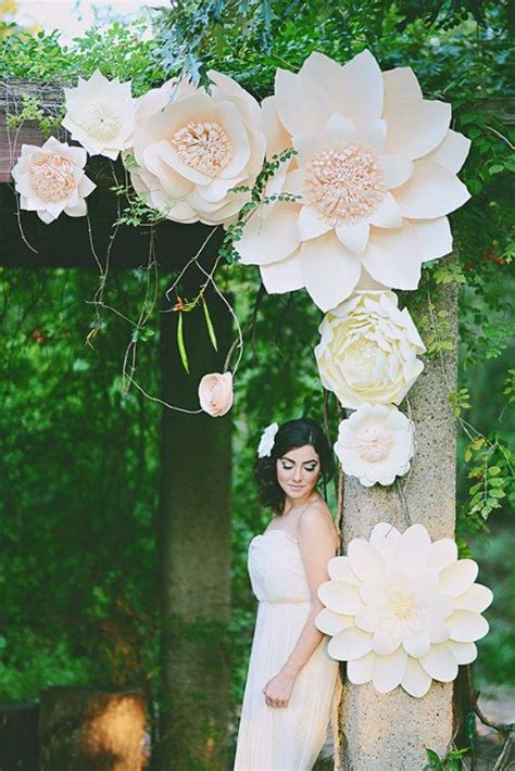How To Make Large Paper Flowers For Wedding - 25 best ideas about large paper flowers on