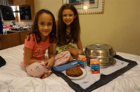 24 hours room service 10 reasons to sail on the disney at