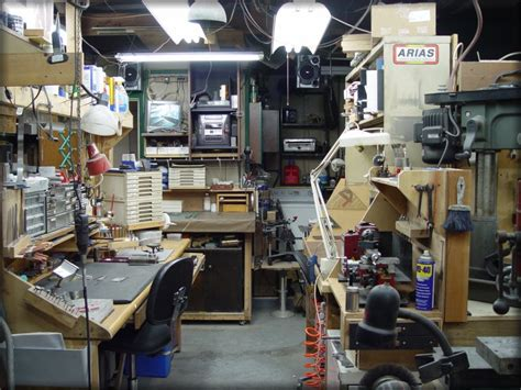 knive shop stan wilson knives overview of shop pic 4