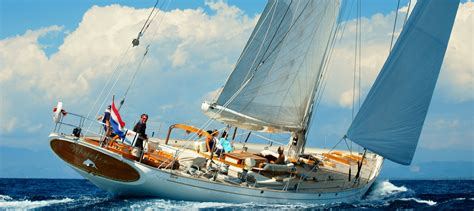 yacht sailing boat difference private sailing yacht charter and sailing boat charter prices