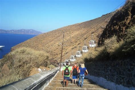 lade vulcano funivia a fira foto di santorini volcano santorini