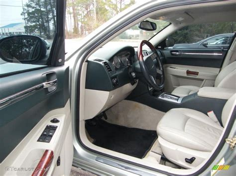 Chrysler 300 Interior Accessories by 2006 Chrysler 300 Interior Accessories