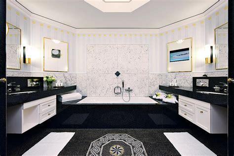 esszimmer weinkabinett auf den spuren heidi grand hotel quellenhof spa