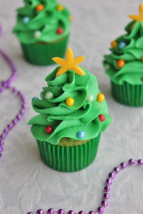 10 irresistible christmas tree cupcakes roxy s kitchen