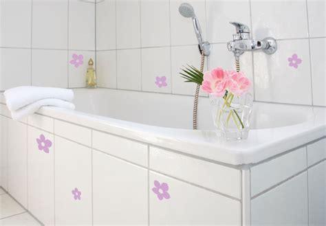 Fliesendekor Badezimmer by Fliesendekor Bl 252 Ten Zum Badezimmer Dekorieren Wall De