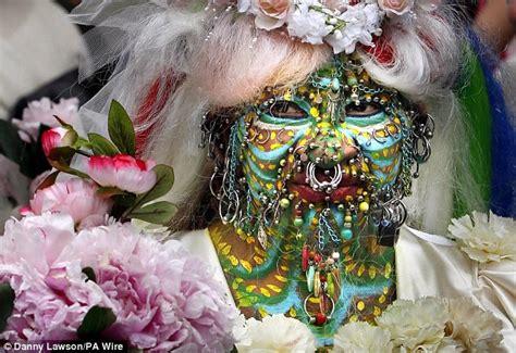 tattooed lady edinburgh world s most pierced woman elaine davidson ties the knot