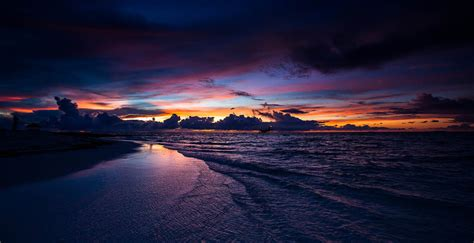 Sunset in Maldives by andyietok on DeviantArt