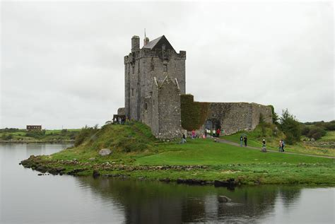 Great House Plans great castles gallery dunguaire castle county galway
