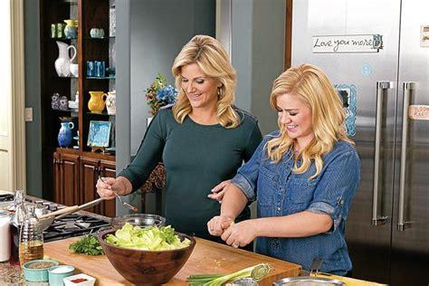 trisha yearwood country kitchen trisha yearwood is back with some new whisnews21