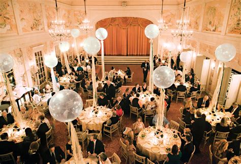 balloon decoration for wedding reception how to make balloons appropriate for a wedding reception