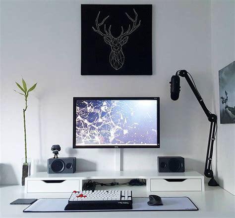 laptop desk setup best 25 gaming desk ideas on gaming computer