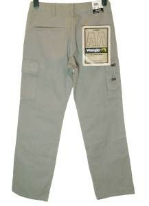 wrangler real comfortable jeans bnwt authentic mens wrangler summit cargo combat jeans