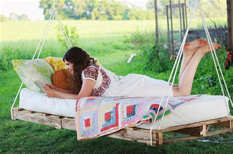 how to make pallet swing pallet swing bed themerrythought