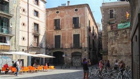 palacio moxo vaciado  vendido cataluna el pais