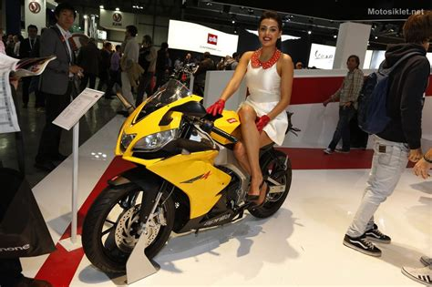 aprilia milano motosiklet fuari fotograf galerisi