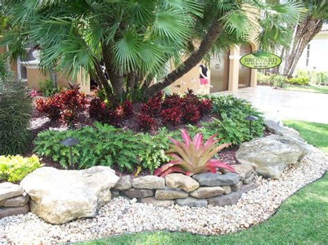 Tropical Rock Garden Tropical Front Yard Landscaping Ideas With Palm Trees This For All