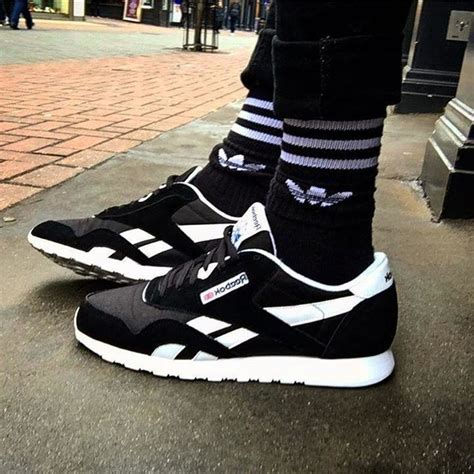 New Sepatu Reebok Classic reebok classic black reebok gb