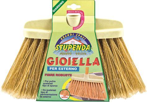 prodotti per pulire tappeti scopa per pulire tappeti idea di casa