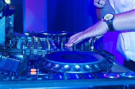 free photo dj turntable scratching music free image