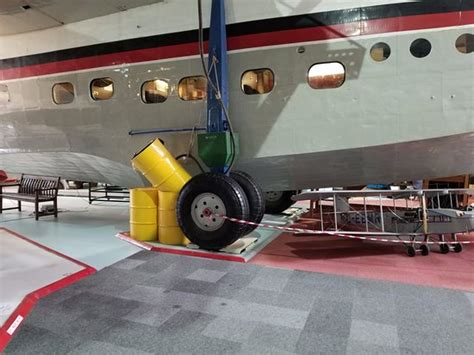 boat with landing gear temporary landing gear for flying boat picture of solent