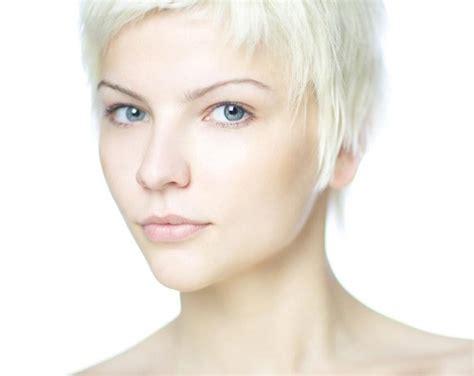 short haircuts for women with thin hair medium hair