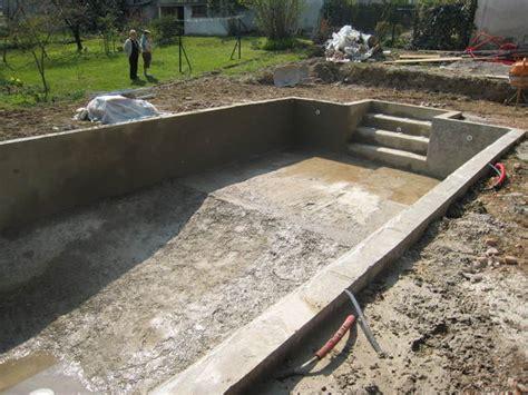 Construire Sa Piscine En Beton 2366 by Construire Une Piscine Les Enduits Hydrofuge Aux Murs