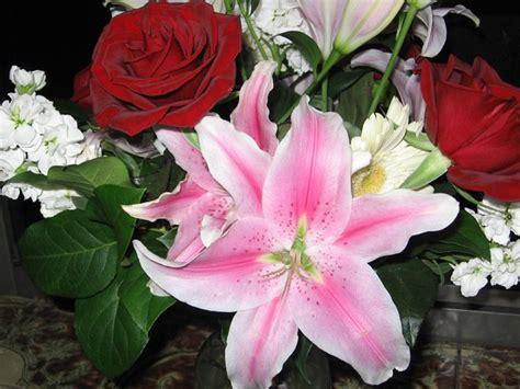 fiori anniversario fiori anniversario regalare fiori