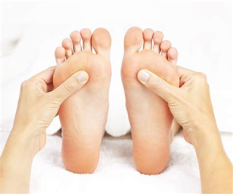 massaggio in riflessologia plantare vivo di benessere