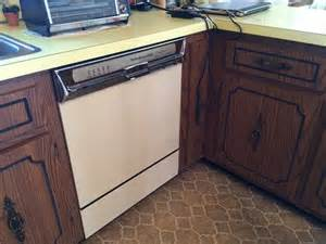 paint formica kitchen cabinets painting or refacing formica cabinets