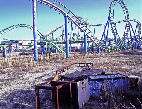 Awesome Mega Churches In Michigan #9: Katrina-killed-the-coaster-at-abandoned-six-flags-amusement-park-in-new-orleans1.jpg