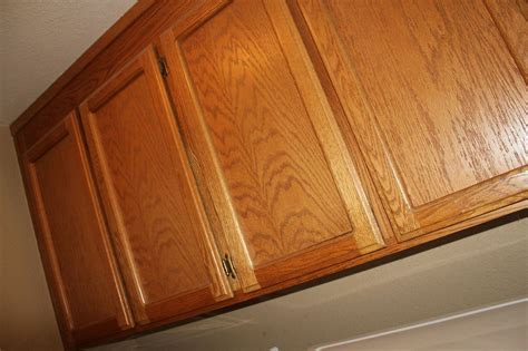 how to paint oak cabinets white without grain showing hometalk how to paint oak cabinets without sanding or
