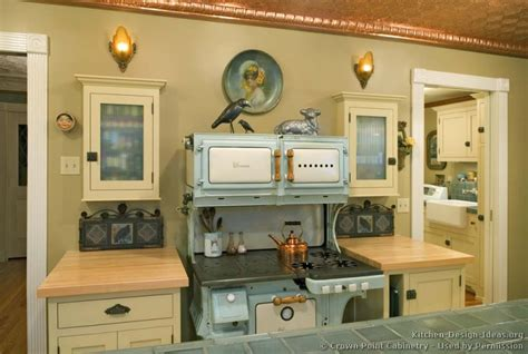 Ideas For Old Kitchen Cabinets | vintage kitchen cabinets decor ideas and photos