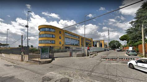 ufficio cambio roma ufficio immigrazione in via patini promettevano permessi