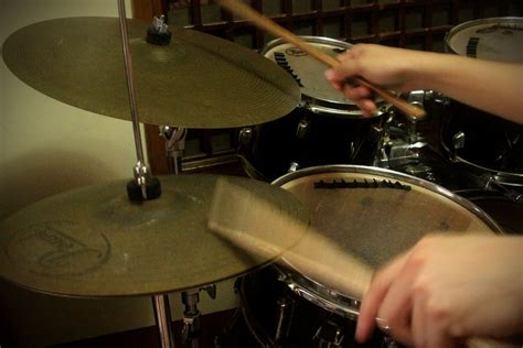 tutorial playing drum how to play a double stroke roll 11 steps with pictures