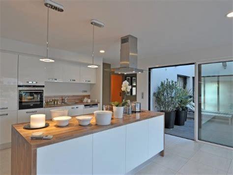photo de cuisine ouverte sur sejour les cuisines ouvertes sur le s 233 jour conseils d