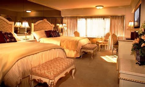 reno hotel rooms peppermill tower deluxe two room peppermill resort hotel reno