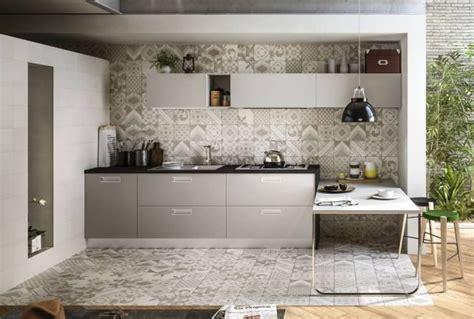 Rivestimento Cucina Texture by Piastrelle Nuova Vita Ai Rivestimenti Con I Prodotti