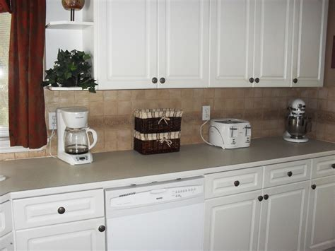 best backsplash for white cabinets best backsplash for white kitchen cabinets antique