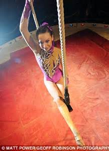 how to become trapeze artist dancer scared of heights conquers fear to become a trapeze