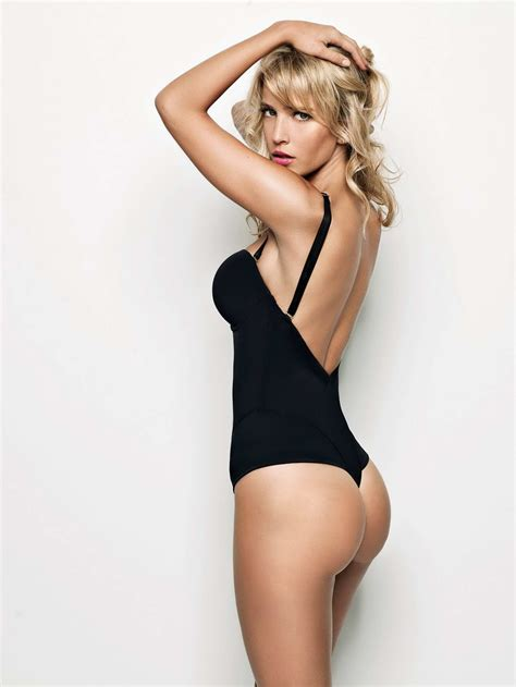 Harding The Ultimo Is Gorgeous by Luisana Lopilato Photoshoot For Ultimo 2011